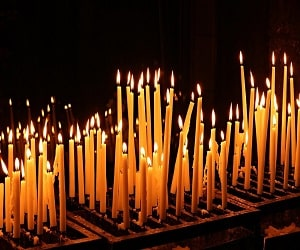 sognare-candele-in-chiesa